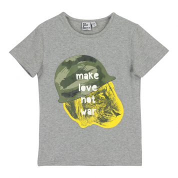 Six Hugs & Rock 'n Roll T-shirt Make Love Not War